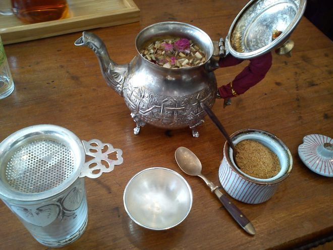 Rose and lemongrass tea